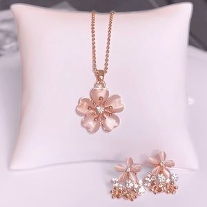 Pretty BlossomNecklace & Earring Set